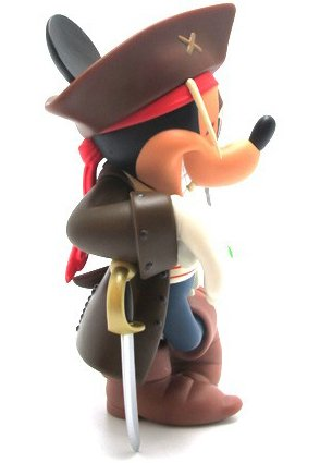 Mickey Mouse Jack  Sparrow Ver. 2.0 - VCD No.185 figure by Disney X Roen, produced by Medicom Toy. Side view.