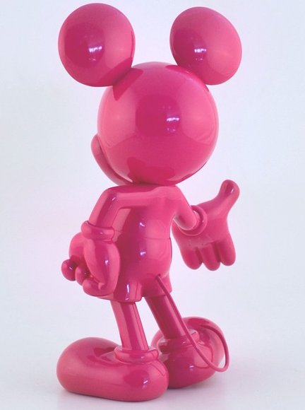 Mickey Welcome figure by Disney, produced by Leblon-Delienne. Back view.