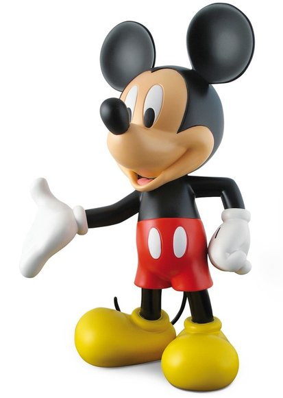 Mickey Welcome figure by Disney, produced by Leblon-Delienne. Front view.