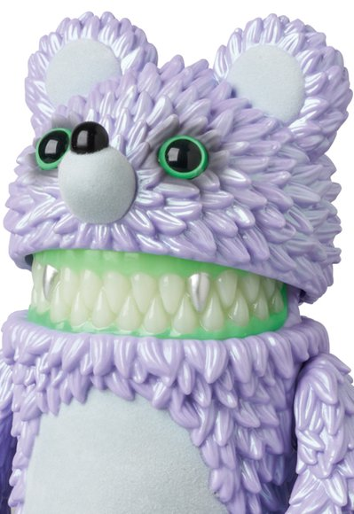 Muckey (ムッキー) The Monster figure by Hiroto Ohkubo, produced by Instinctoy. Detail view.