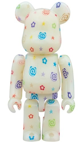 multicolor G.I.D. Ver. BE@RBRICK 100% figure, produced by Medicom Toy. Front view.