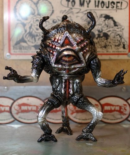 MVH Blood Moon M.O.O.N Goon figure by Mutant Vinyl Hardcore X Splurrt X Paul Kaiju. Front view.