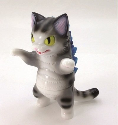Negora (ネゴラ) Grey Stripe figure by Konatsu, produced by Konatsuya. Front view.