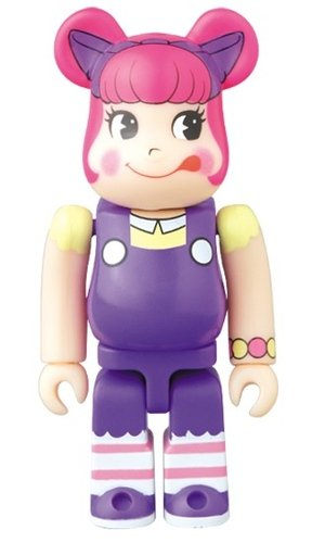 Peco-chan BE@RBRICK 100% figure, produced by Medicom Toy. Front view.