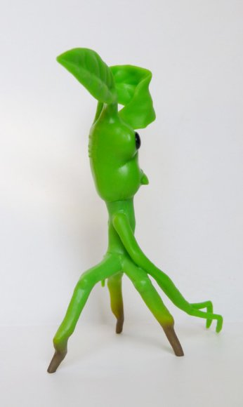 Pickett figure by Funko, produced by Funko. Side view.