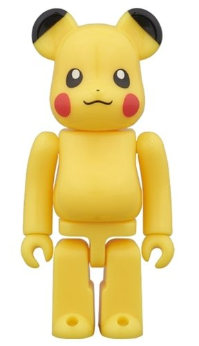Pikachu Pokemon Center Tokyo Skytree Town Ver. BE@RBRICK 100% figure, produced by Medicom Toy. Front view.