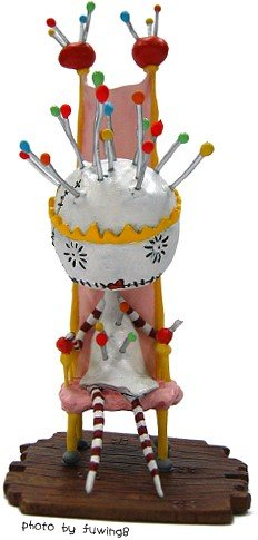 Pin Cushion Queen figure by Tim Burton, produced by Dark Horse. Front view.