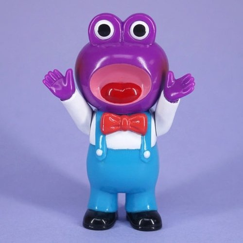 Poison Frog figure by Pointless Island, produced by Awesome Toy. Front view.