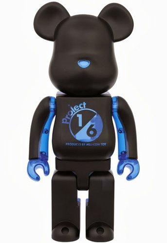 Project 1/6 Be@rbrick 400% - Black x Clear Blue figure, produced by Medicom Toy. Front view.