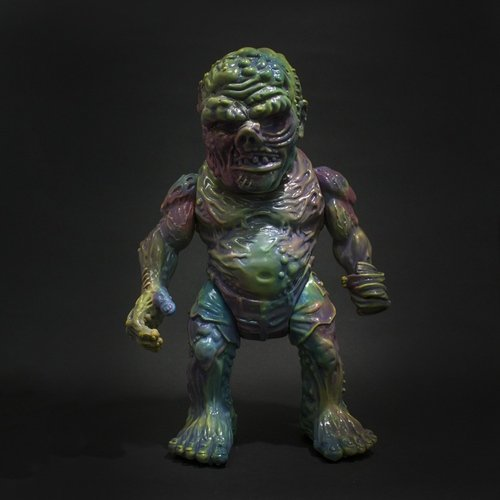 RETROBAND MEATS MUTANT MARBLE V. 1 figure by Aaron Moreno, produced by Unbox Industries. Front view.