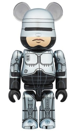 ROBOCOP BE@RBRICK 100% figure, produced by Medicom Toy. Front view.
