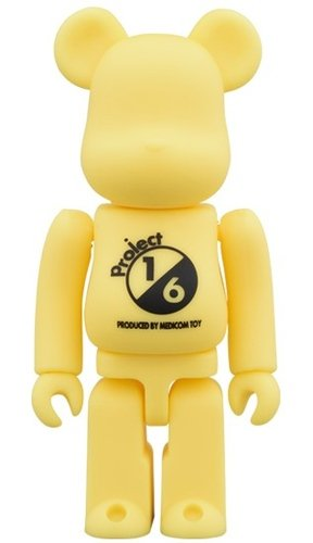 RUBBER COATING YELLOW BE@RBRICK 100% figure, produced by Medicom Toy. Front view.