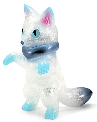 Sakiros - Arctic Fox figure by Konatsu, produced by Konatsuya. Front view.