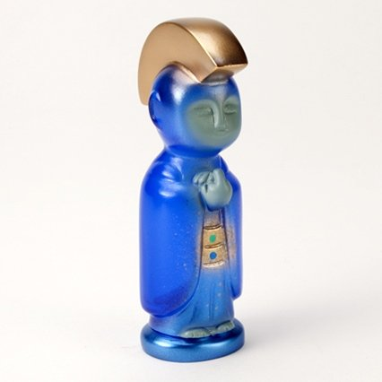 SAPPHIRE MEMORIES JIZO-ANARCHO figure by Toby Dutkiewicz, produced by DevilS Head Productions. Side view.