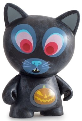 Scaredy Cat figure by Amanda Visell, produced by Kidrobot. Front view.