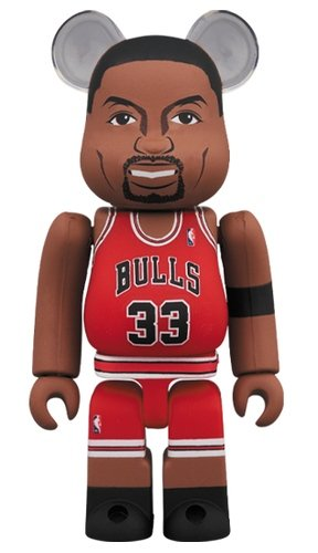 Scottie Pippen(Chicago Bulls) BE@RBRICK 100% figure, produced by Medicom Toy. Front view.