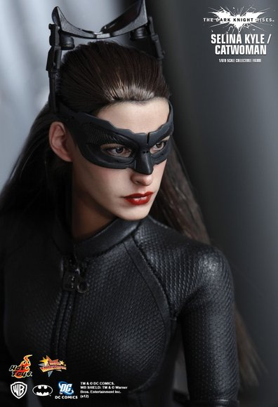 Selina Kyle / Catwoman figure by Kojun, produced by Hot Toys. Detail view.