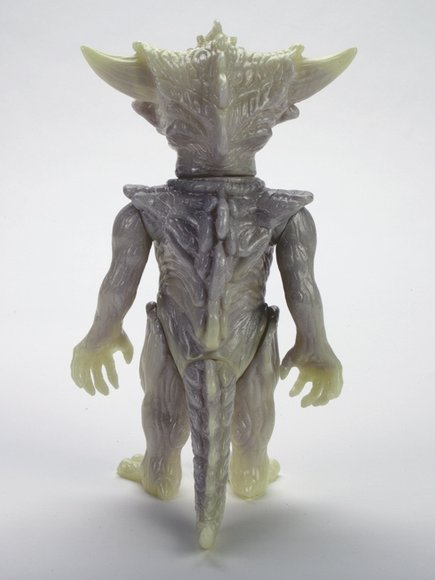 SILVER, SILVER, GLOW, GLOW APALALA figure by Toby Dutkiewicz, produced by Devils Head Productions. Back view.