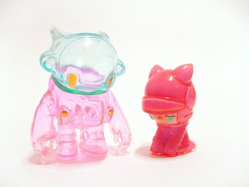 Space Racers 2, Peach Mint version figure by Kaijin. Front view.