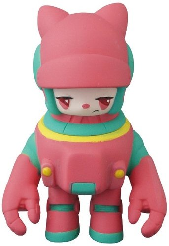 Space Racers Mimi - Pink figure by Kaijin, produced by Medicom. Front view.