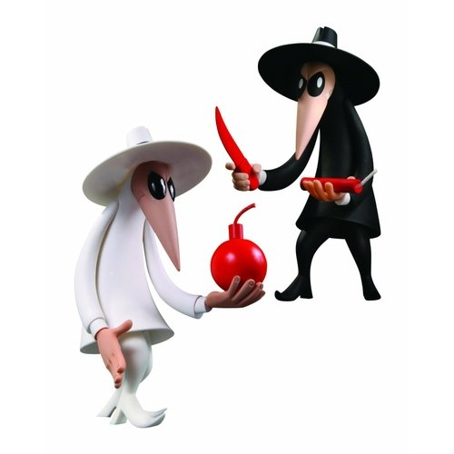Spy Vs Spy Vinyl Figure 2 Pack figure by Antonio Prohías, produced by Dc Direct. Front view.