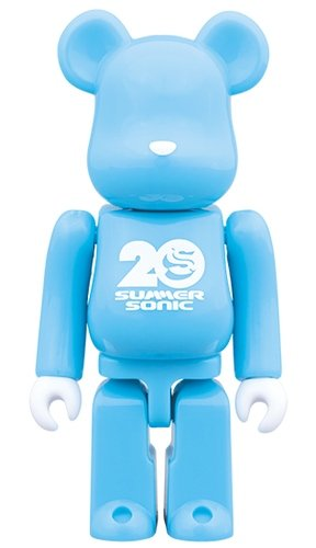 SUMMER SONIC 2019 BE@RBRICK 100% figure, produced by Medicom Toy. Front view.