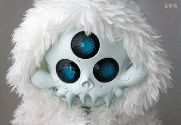 TERROR BOYS GOHSTBAT [YETI WIZRD - NORTHERN] figure by Brandt Peters X Ferg, produced by Playge. Detail view.
