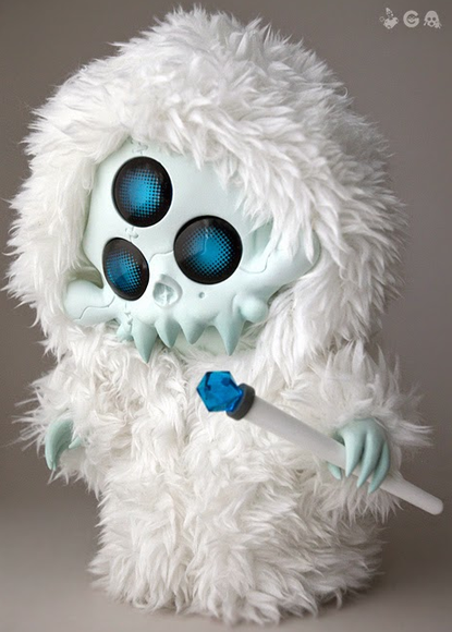 TERROR BOYS GOHSTBAT [YETI WIZRD - NORTHERN] figure by Brandt Peters X Ferg, produced by Playge. Front view.