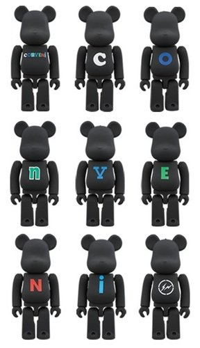 THE CONVENI BE@RBRICK 100% figure, produced by Medicom Toy. Front view.