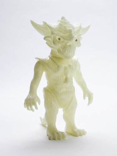 THE HALLOW GLOW APALALA figure by Toby Dutkiewicz, produced by Devils Head Productions. Side view.