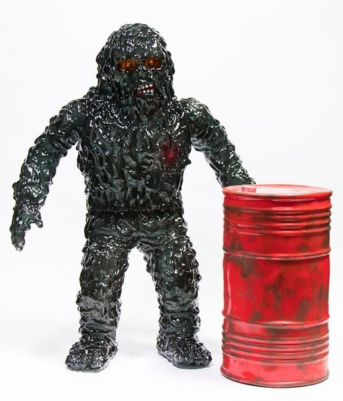 The Oily Maniac figure by Shaw Brothers, produced by Unbox Industries. Front view.