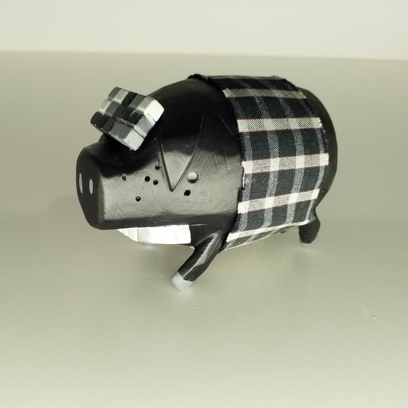 The Pig - Black figure by Michael Lau, produced by Crazysmiles. Front view.