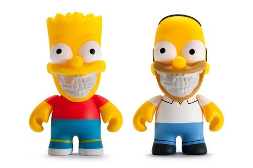 THE SIMPSONS HOMER & BART GRIN 3 FIGURES BY RON ENGLISH figure by Ron English, produced by Kidrobot. Front view.