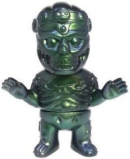 Tibe - Black / Green Metal Spray figure by Magical Design (Hideo Uchiyama) X Teddy Maker, produced by Algangu. Front view.