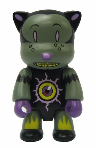 Mystic Cat figure by Glenn Barr, produced by Toy2R. Front view.
