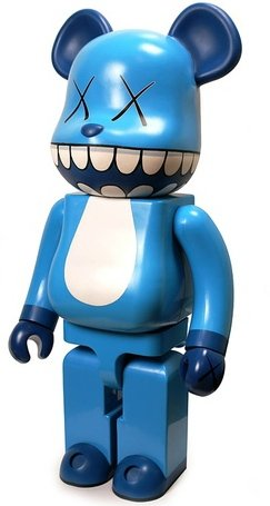 Kaws Chompers Be@rbrick - 1000% figure by Kaws, produced by Medicom Toy. Front view.