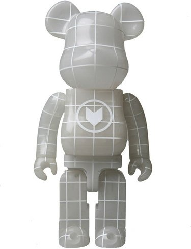 Nort Be@rbrick 400% - Blue GID figure, produced by Medicom Toy. Front view.
