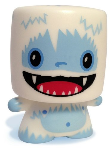 Abominable Marshall figure by 64 Colors, produced by Squibbles Ink + Rotofugi. Front view.