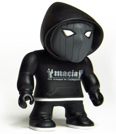 Macia Troopa The Original Dark BBoy figure by Mahon The Smooth Hustler, produced by Gensen Figure. Front view.