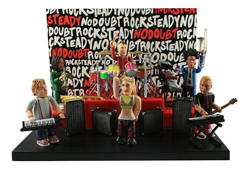 No Doubt Stage Playset figure by Smiti. Front view.