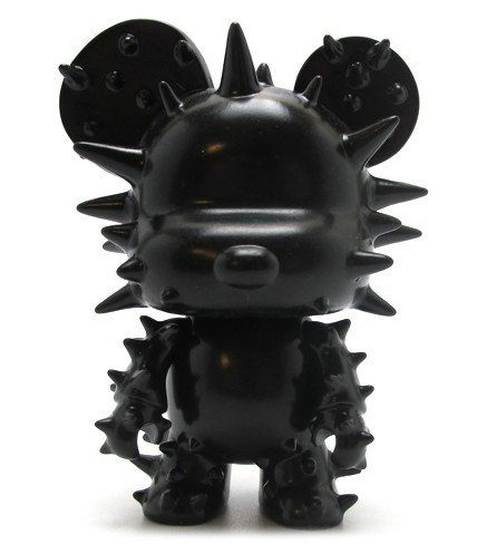 Mini Qee 5 Spike Bear Black figure by Toy2R, produced by Toy2R. Front view.