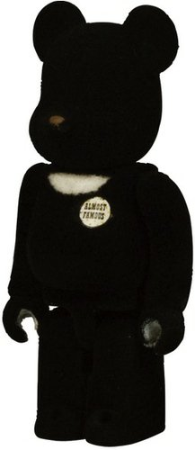 BWWT HF (Hiroshi Fujiwara) Be@rbrick 100% figure by Hf, produced by Medicom Toy. Front view.