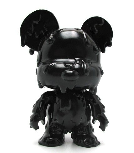 Mini Qee 5 Melting Bear Black figure by Toy2R, produced by Toy2R. Front view.