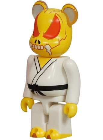 Skull Bee - Animal Be@rbrick Series 9 figure by Secret Base, produced by Medicom Toy. Front view.