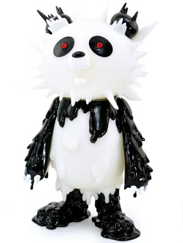 Panda Inc figure by Hiroto Ohkubo, produced by Instinctoy. Front view.