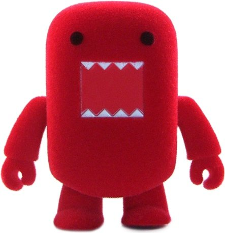 Red Flocked Domo Qee figure by Dark Horse Comics, produced by Toy2R. Front view.