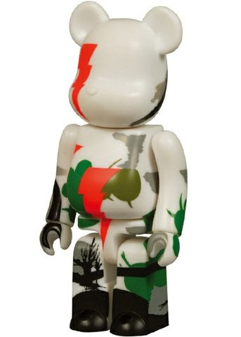 BWWT Marok Be@rbrick 100% figure by Marok, produced by Medicom Toy. Front view.
