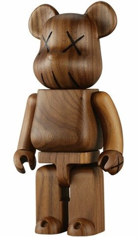 Kaws Wood BWWT 400% Be@rbrick figure by Kaws, produced by Medicom Toy. Front view.