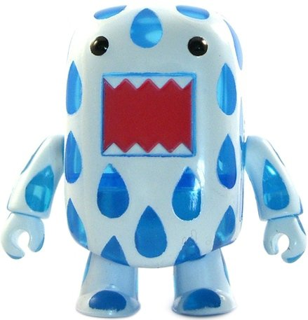 Rain Drops Domo Qee figure by Dark Horse Comics, produced by Toy2R. Front view.