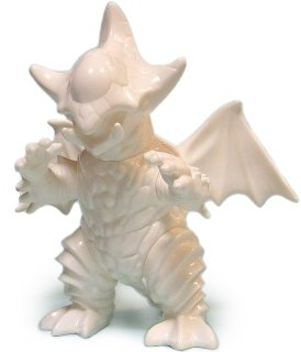 Gibaza - Blank White figure by Dream Rocket, produced by Dream Rocket. Front view.